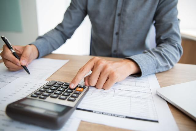 How to get a loan if you are indebted? Get a financial picture of your home budget
